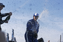Podium: winner Josef Newgarden, Team Penske Chevrolet, second place Will Power, Team Penske Chevrolet