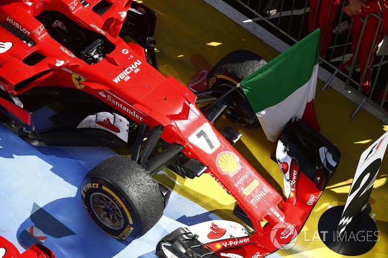 El coche de Kimi Raikkonen, Ferrari SF70H en Parc Ferme