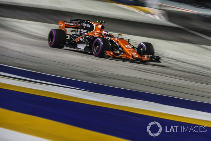 18 місце — Стоффель Вандорн, McLaren — 7