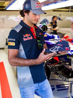 Гоночный ботинок пилота Scuderia Toro Rosso Карлоса Сайнса-мл.