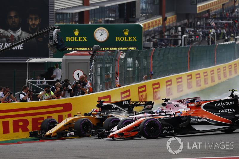 Ніко Хюлькенберг, Renault Sport F1 Team RS17, Серхіо Перес, Sahara Force India F1 VJM10, Фернандо Алонсо, McLaren MCL32