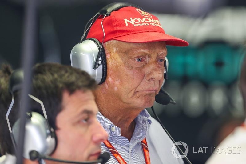 """""""Esta foi a pior decisão que já vi. Ele [Verstappen] não fez nada de errado. Somos pilotos de corrida, não estamos em uma estrada normal.Na próxima reunião do Grupo de Estratégia, precisamos trazer o assunto de volta para a agenda e começar tudo de novo. P"""