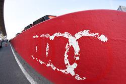 Audi-Logo in der Boxengasse