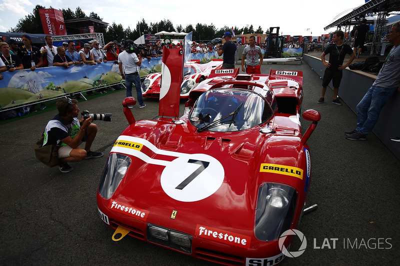 A Ferrari 512S and Porsche 917