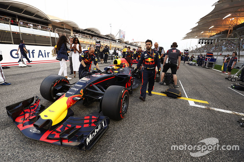 Naomi Cambell,  Max Verstappen, Red Bull Racing RB13