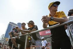Нико Хюлькенберг, Renault Sport F1, Фернандо Алонсо, McLaren, и Карлос Сайнс-мл., Scuderia Toro Rosso