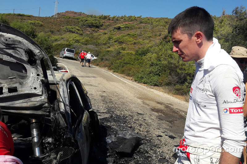 Craig Breen, Scott Martin, Citroën World Rally Team Citroën C3 WRC, burn car