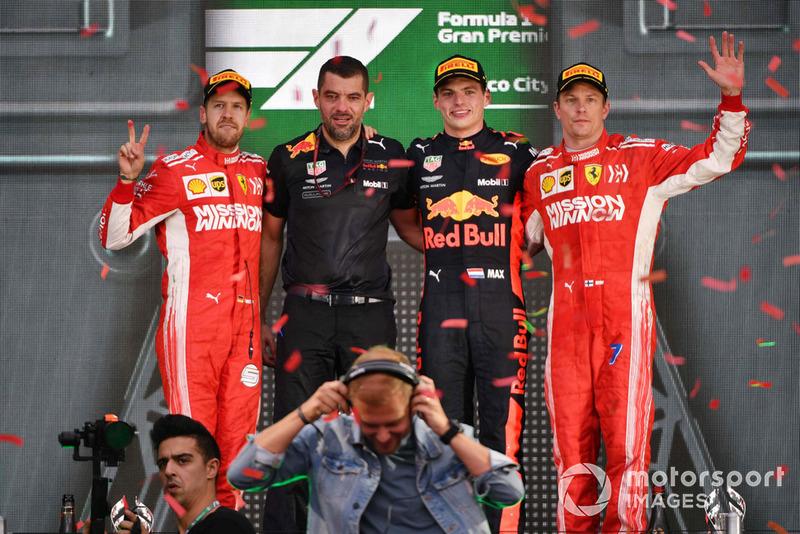 Себастьян Феттель, Ferrari, гоночний інженер Red Bull Racing Гійом Роклен, Макс Ферстаппен, Red Bull Racing, Кімі Райкконен, Ferrari, Армін ван Бюрен