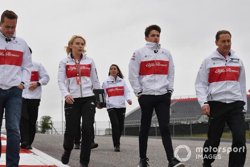 Charles Leclerc, Alfa Romeo Sauber F1 Team walks the track with Ruth Buscombe, Alfa Romeo Sauber F1 Team Race Strategist