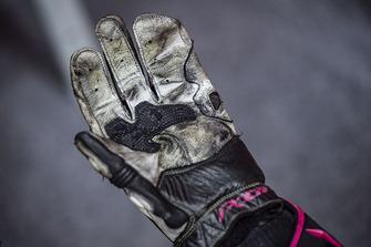 Bradley Smith, Red Bull KTM Factory Racing, glove