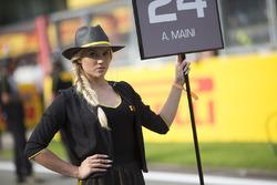 Pirelli grid girls