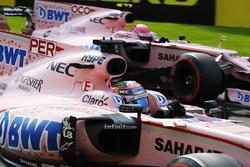 Sergio Perez, Force India VJM10, Esteban Ocon, Force India VJM10