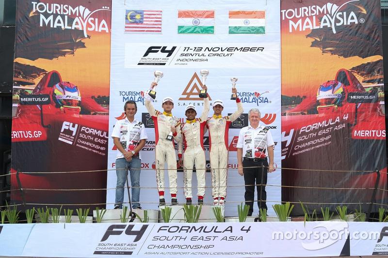 Podium: race winner Akash Gowda, second place Isyraf Danish, third place Mohammed Nalwalla
