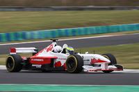 Zsolt Baumgartner, F1 Experiences tweezitter