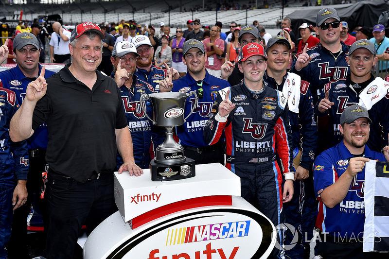 Ganador de la carrera William Byron, JR Motorsports Chevrolet