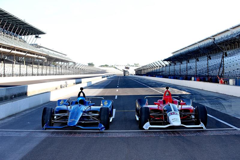 Машини IndyCar 2018 року із двигунами Chevrolet та Honda