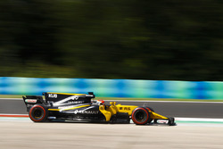 Robert Kubica, Renault Sport F1 Team RS17 runs wide