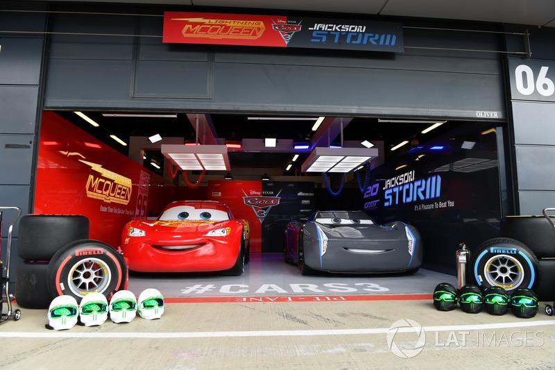 Arabalar 3 garajı