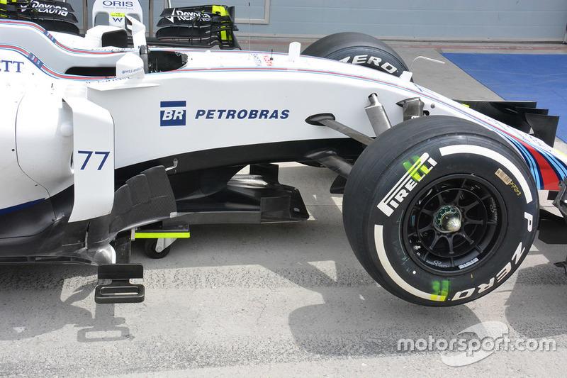 Williams FW38, Seitendetail