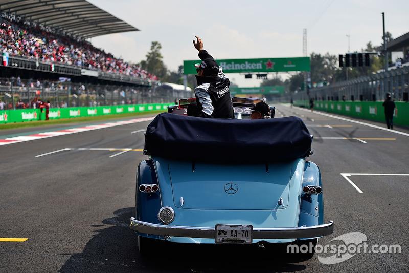 Sergio Pérez, Sahara Force India F1 en el desfile de pilotos