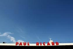 Paul Riccard sign