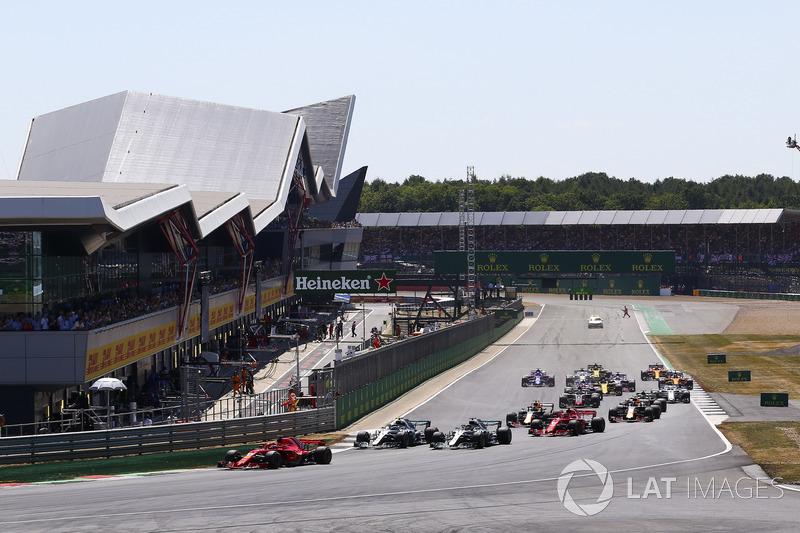 Partenza, Sebastian Vettel, Ferrari SF71H al comando