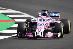 Sergio Perez, Force India VJM11 bir kuşa çarpıyor