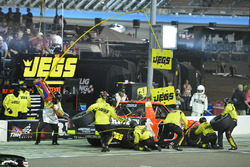 Cody Coughlin, ThorSport Racing Toyota pit stop, Sunoco