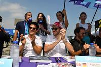 Lucas di Grassi, Audi Sport ABT Schaeffler, Daniel Abt, Audi Sport ABT Schaeffler, sign autographs for fans
