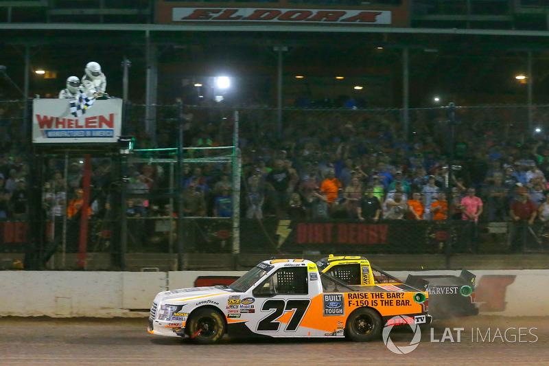 4. Chase Briscoe vs. Grant Enfinger - 0s038 (Trucks)