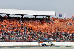 Stoffel Vandoorne, McLaren, nella drivers parade