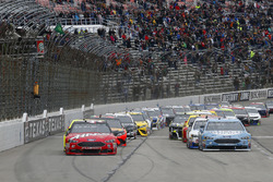Kevin Harvick, Stewart-Haas Racing, Ford Fusion Busch Light green flag start