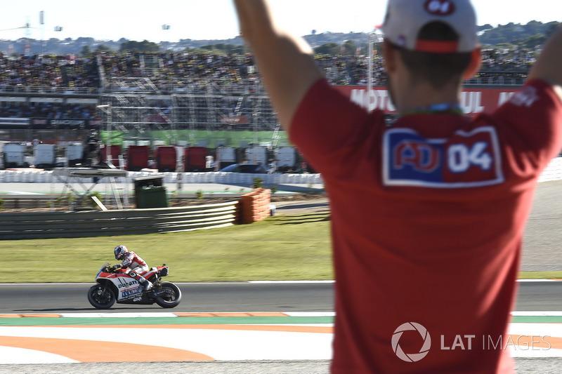 Andrea Dovizioso, Ducati Team, retiring