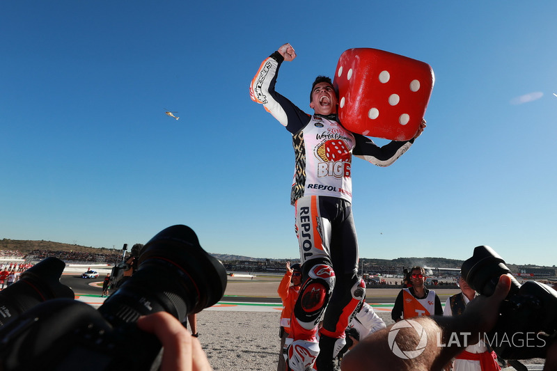 5. Campeón del mundo Marc Márquez, Repsol Honda Team celebrate