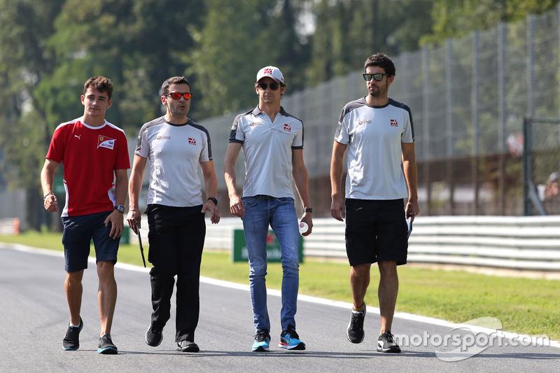 Charles Leclerc, test pilotu, Haas F1 Team ve Esteban Gutierrez, Haas F1 Team