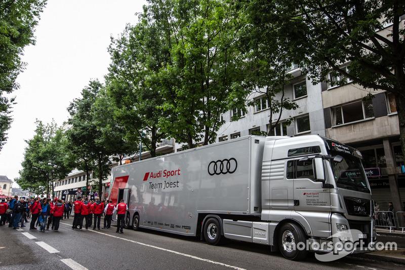 Вантажівка Audi Sport Team Joest