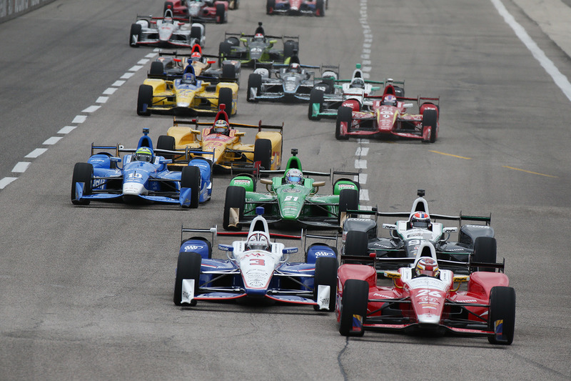 Старт: Карлос Муньос, Andretti Autosport Honda очолює пелотон