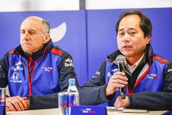 Franz Tost, Team Principal, Scuderia Toro Rosso, with Toyoharu Tanabe, F1 Technical Director, Honda