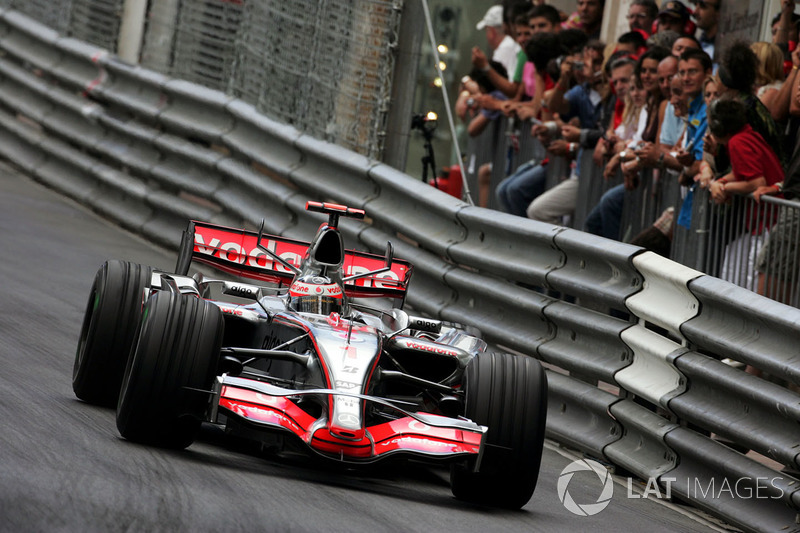 2007: Фернандо Алонсо, McLaren Mercedes, MP4-22