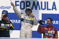 Podio: ganador de la carrera Nelson Piquet, Williams, segundo lugar Ayrton Senna, Lotus, tercer lugar Nigel Mansell, Williams