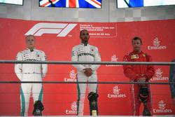 Podio: Valtteri Bottas, Mercedes-AMG F1, Lewis Hamilton, Mercedes-AMG F1, Kimi Raikkonen, Ferrari