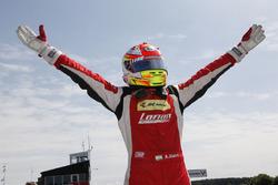 Carrera 3, ganador: Arjun Maini, Lanan Racing