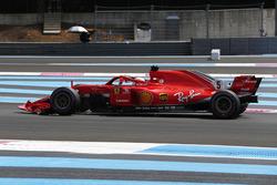 Sebastian Vettel, Ferrari SF71H, con un alerón delantero roto