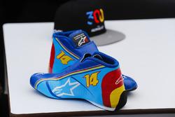 Botas de carrera y gorra de Fernando Alonso, McLaren, conmemorativas por sus 300 Grandes Premios