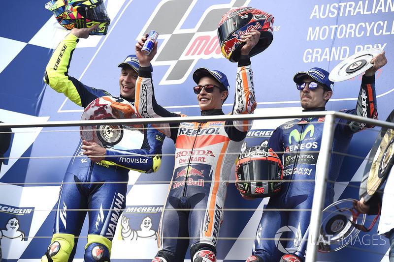 Podio: 1º Marc Márquez, 2º Valentino Rossi, 3º Maverick Viñales