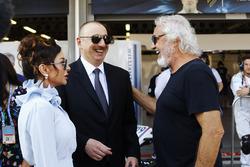 Le Président de l'Azerbaïdjan Ilham Aliyev, la première dame Mehriban Aliyeva, et Flavio Briatore
