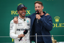 1. Lewis Hamilton, Mercedes AMG F1, mit Jenson Button