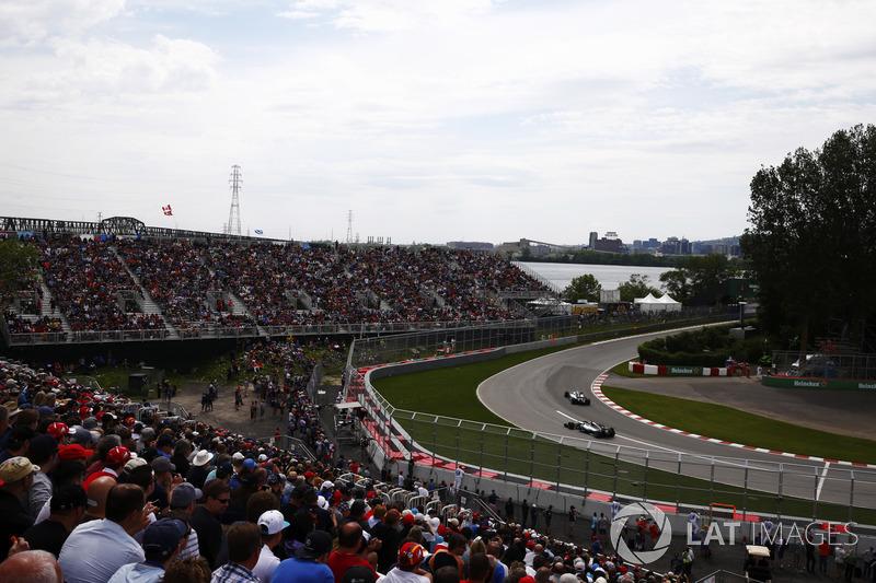 Фанати, Валттері Боттас, Льюіс Хемілтон, Mercedes AMG F1 W08