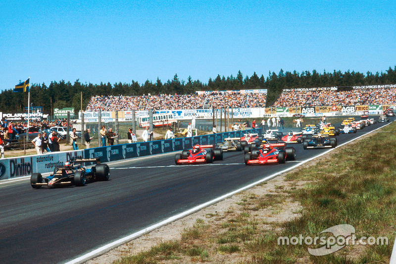 Mario Andretti, Lotus 79 Ford, leads John Watson and Niki Lauda, both Brabham BT46B Ford's, at the start
