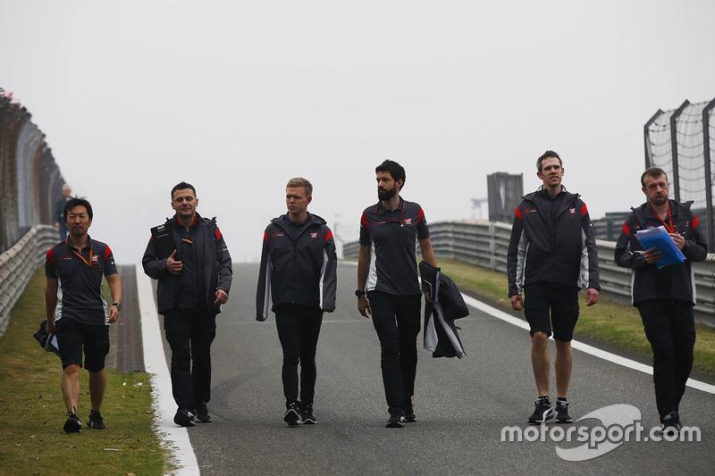 Trackwalk: Kevin Magnussen, Haas F1 Team